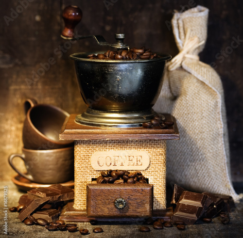 stiill-life-with-antique-coffee-grinder