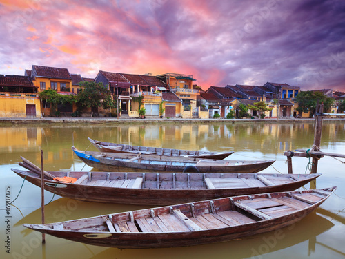 Photo  View on the old town of Hoi An from the river.