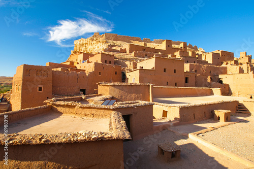 Tuinposter Marokko houses in the desert