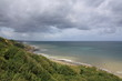 Blick vom Pointe du Hoc auf die felsige Kanalküste
