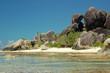 Praia source d'argent e rochas graniticas