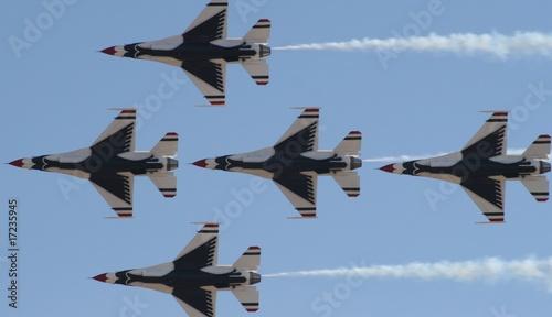 Cuadros en Lienzo Thunderbird formation
