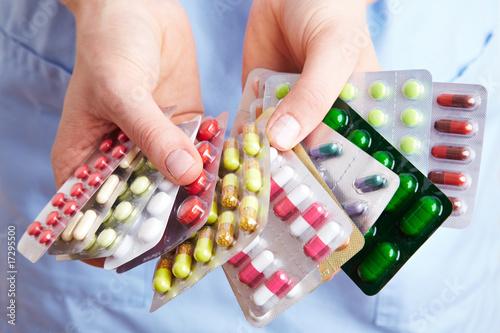 Fotografia  Viele Tabletten halten