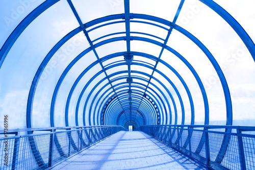 In de dag Brug futuristic glass corridor