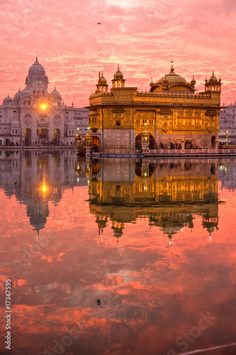 Fényképezés  Golden Temple at sunset, Amritsar, Punjab, India.
