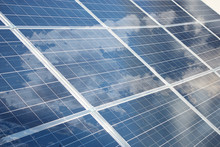 Pannello Fotovoltaico Con Nuvole