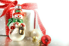 Small Christmas Ornament With Gift
