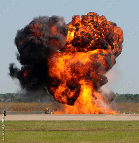 In de dag Vuur / Vlam Giant explosion