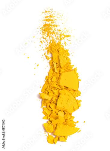 Obraz na plátne Yellow eyeshadow crushed sample