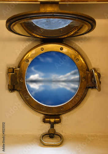 Fototapeta  nautical porthole