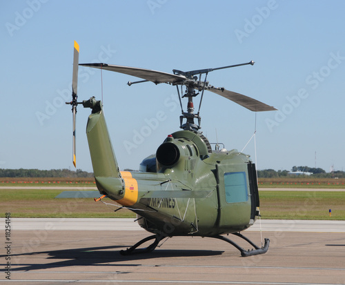 Tuinposter Helicopter Old military helicopter