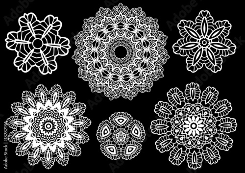 Valokuva  Delicate lace doilies, vector pattern