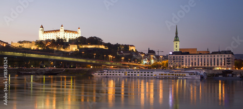 Photo  Bratislava - castle and cathedral in evening and Danube
