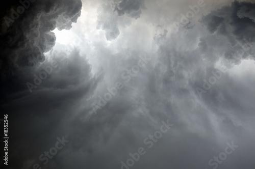 Fotografie, Tablou Dramatic clouds during a rainstorm