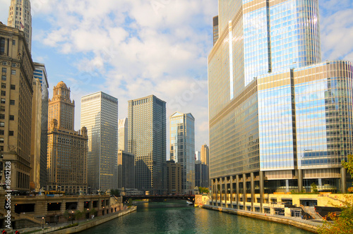 Aluminium Prints Chicago Chicago River titans: skyscrapers new and old