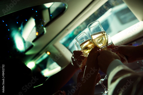 Photographie  Chin-chin in the limousine