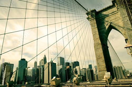 Most Brookliński – sepia z widokiem na Nowy Jork