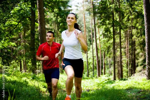 Foto op Canvas Jogging jogging in forest