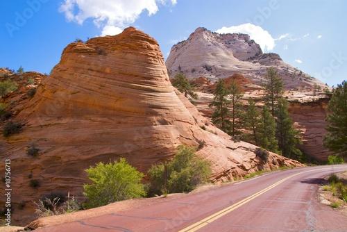 Poster de jardin Parc Naturel Navajo sandstone formations on Zion Mount Carmel Highway