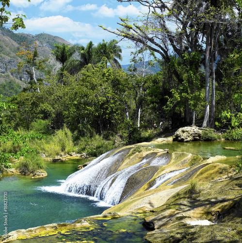 wodospad-nicho-cienfuegos-province-kuba