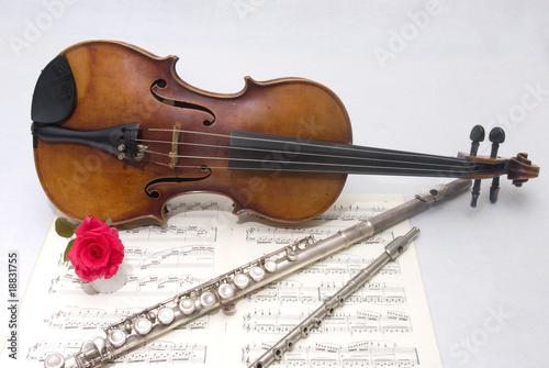 Fotografie, Obraz  Viola, flauto traverso e ottavina