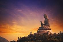 Tian Tan Buddha (Hong Kong, Lantau Island) ....