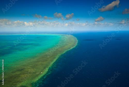 Carta da parati Aerial view of Arlington Reef at Great Barrier Reef Marine Park