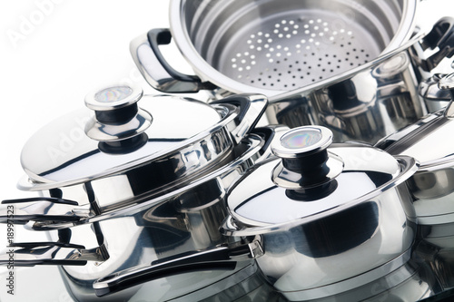 Fotografía  A set of saucepans, stainless steel