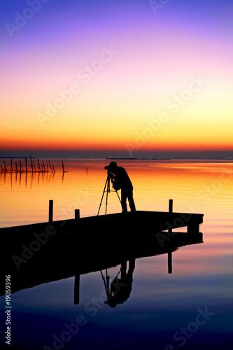 Fotobehang Pier trabajando en el lago