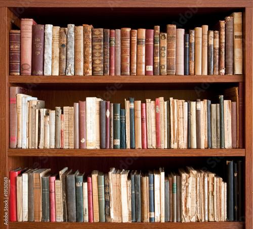 Fotografie, Obraz  Libri antichi su scaffale