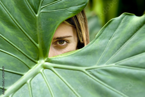 Photo  Girl hiding