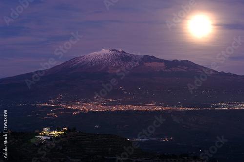 фотографія  moonrise Etna