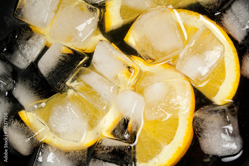 Poster Dans la glace Orages in a bowl of ice
