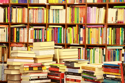 Photo sur Toile Bibliotheque Library, Bücherwand, Buchgeschäft, Buchladen, Spanien