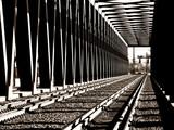 Parallelgurtige Stahlfachwerkeisenbahnbrücke - 19687598