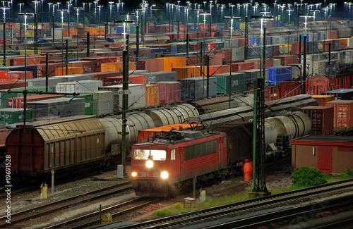 Foto auf AluDibond Bahnhof Güterbahnhof MaschenVIII