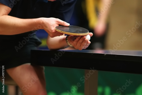 Tuinposter Restaurant table tennis player serving