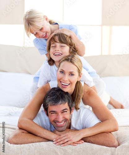 Fotografia  Happy family having fun