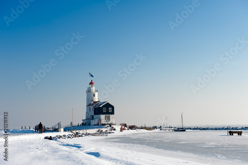 Photo  Lighthouse in winter