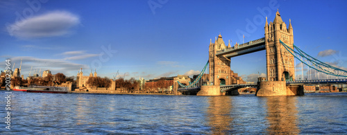 Foto op Canvas Londen London - Tower Bridge (Panoramic)