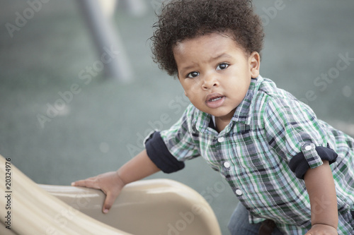 Photo  Cute little toddler at a playground