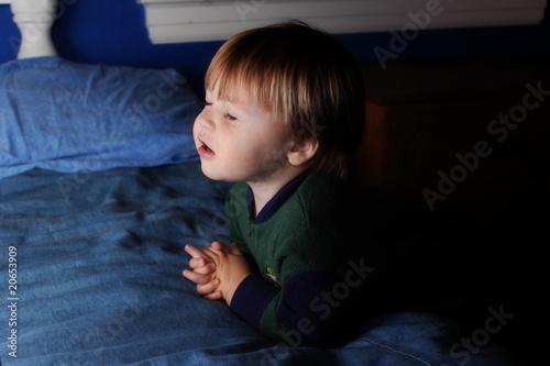Fotografie, Obraz  Praying Toddler