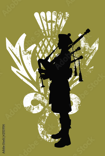 Stampa su Tela Silhouette of a bagpiper wearing a scottish kilt