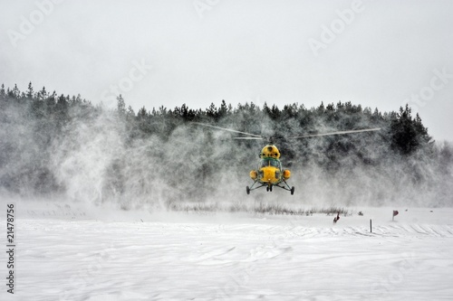 Poster Helicopter winter helicopter landing