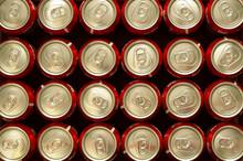 Canettes De Soda Alignées