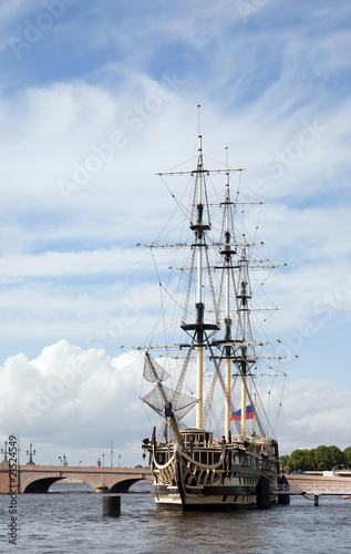 Photo Stands Ship Old time ship at harbor