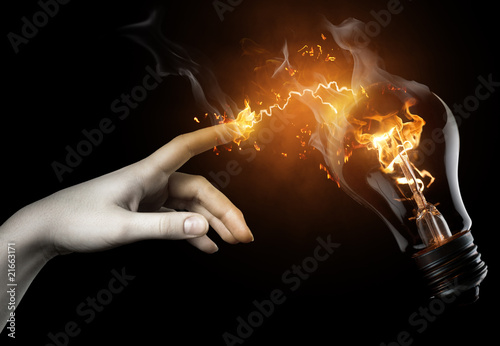 Photo sur Aluminium Flamme illuminated bulb