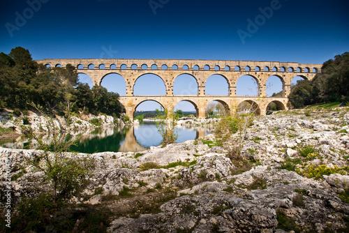 Foto op Plexiglas Artistiek mon. Le Pont du Gard