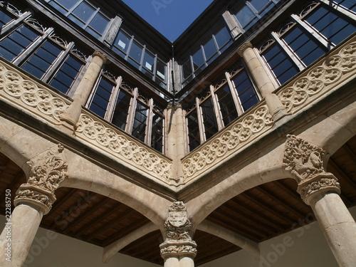 Patio del Palacio de los Condes de Requena en Toro (Zamora)
