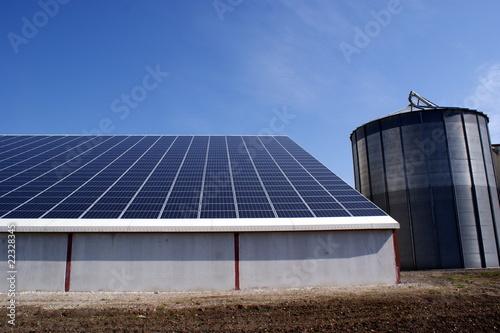 Foto  Ferme solaire, centrale solaire, agriculture durable